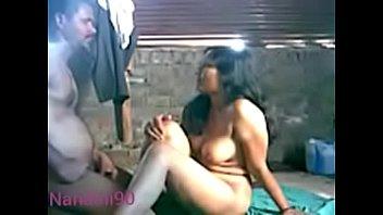 Безпардонный извращенец обкончал в сочную попу блондинистой девке